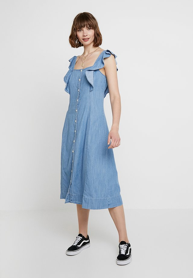 BUTTON FRONT MIDI WITH RUFFLE SLEEVE - Maxikjoler - mayview wash