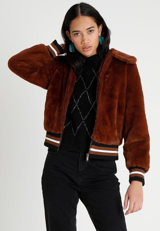 SPORTS TRIM - Winter jacket - rust