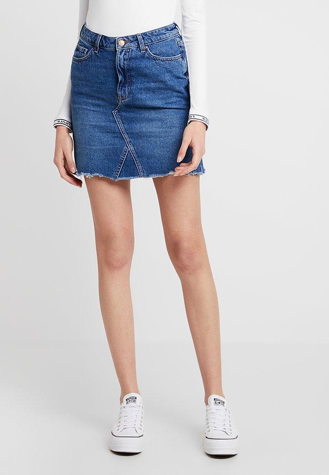MOM SKIRT SKITTLES - Denim skirt - mid blue