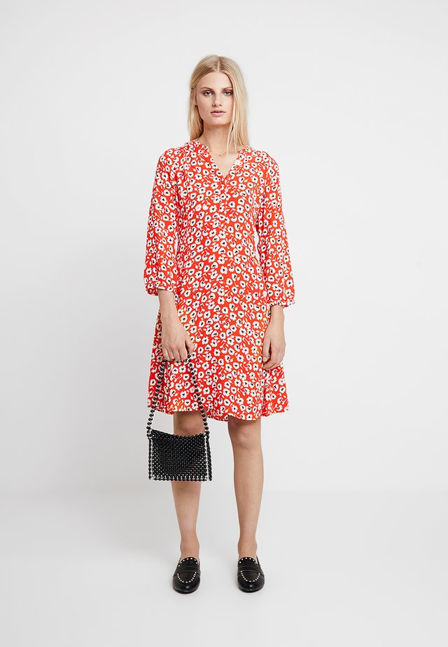 LINAJAS - Shirt dress - red