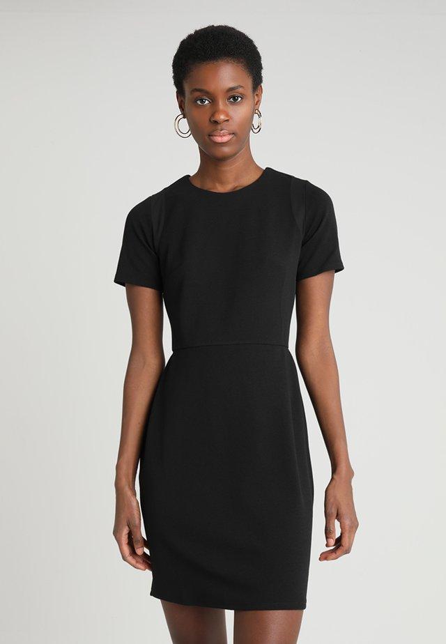 PLAIN PENCIL - Sukienka etui - black