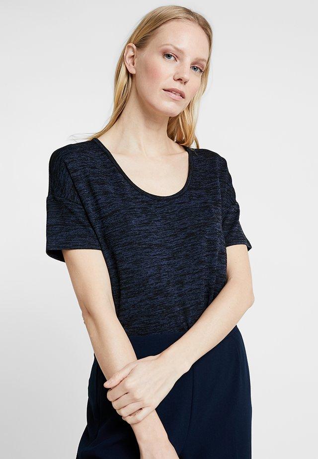 SOFINA - Basic T-shirt - simply blue