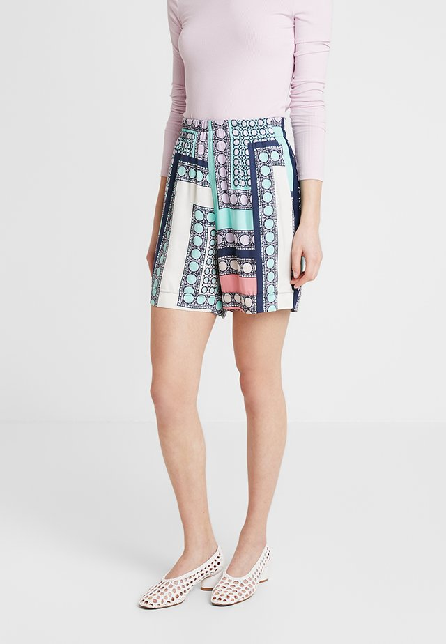 TAILORED PRINT TURN - Shorts - combo
