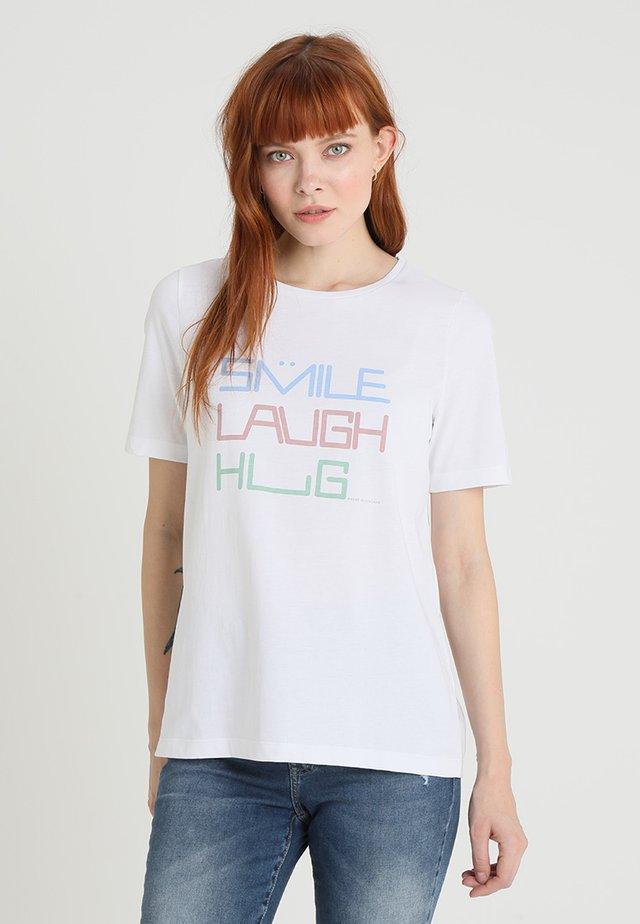 RUNDHALS - Print T-shirt - pure white
