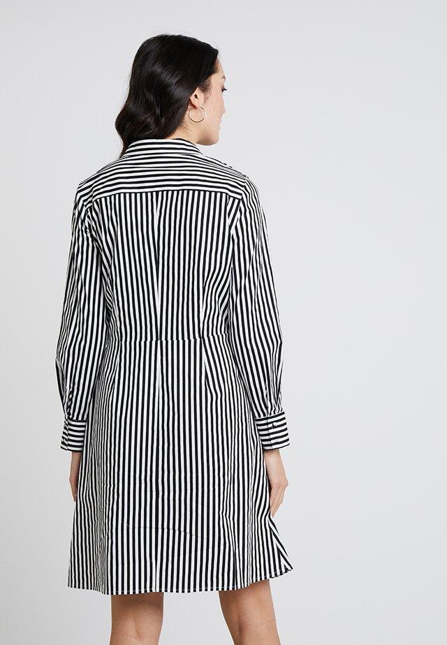 STRIPED DRESS - Skjortekjole - black/cream