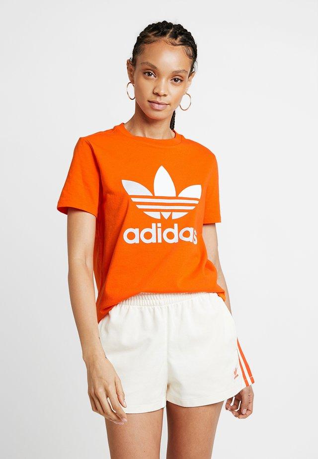 ADICOLOR TREFOIL GRAPHIC TEE - Camiseta estampada - orange