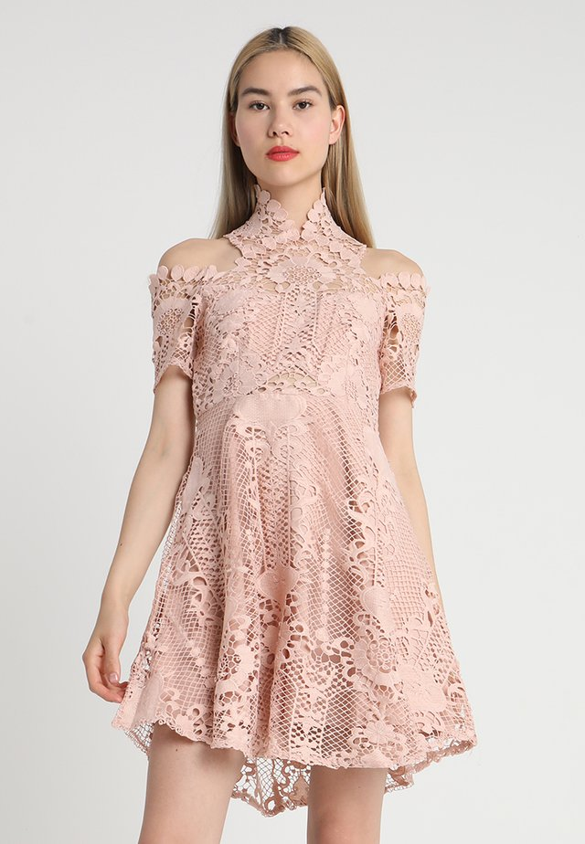 BELLA DONNA MINI DRESS - Robe de soirée - almond nude