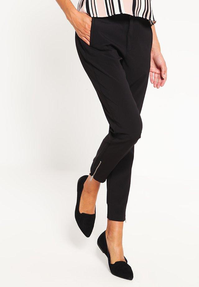 NICA PANTS - Stoffhose - black