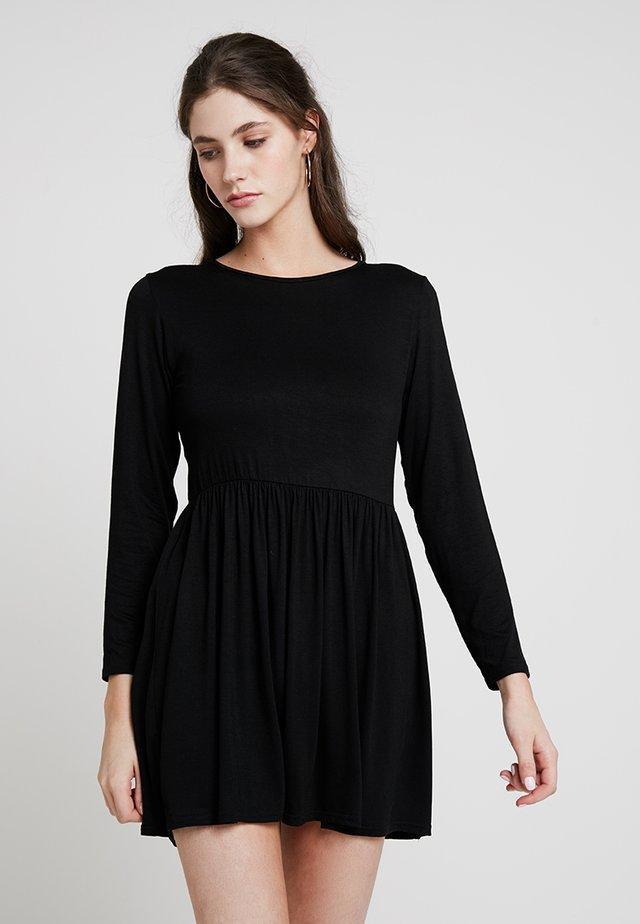 PLAIN SMOCK - Sukienka z dżerseju - black