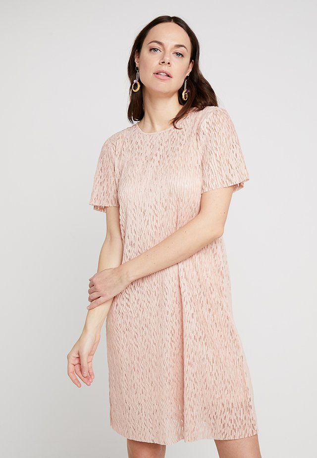 LISELOTTE DRESS - Day dress - rose dust