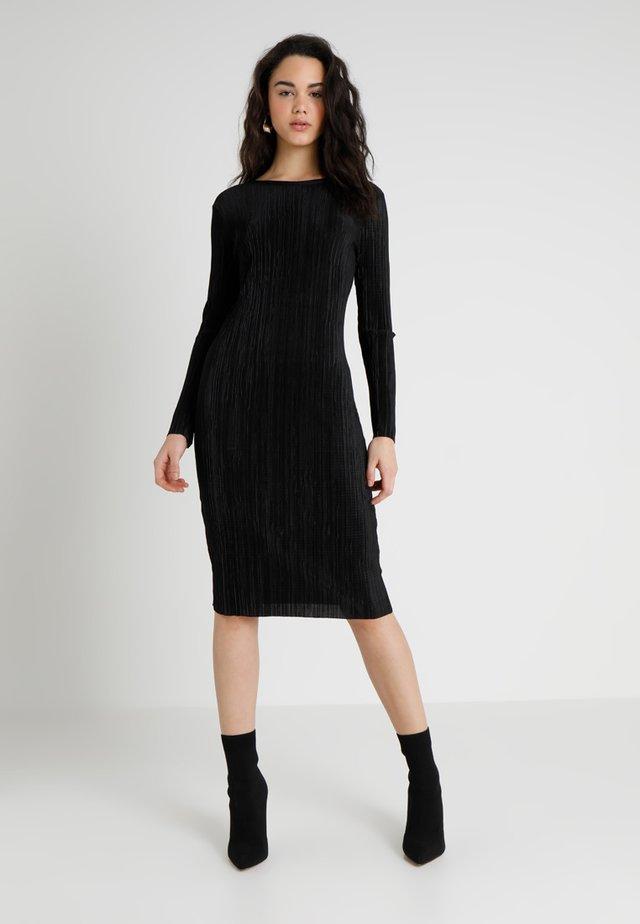 PLISSE MIDI  - Shift dress - black