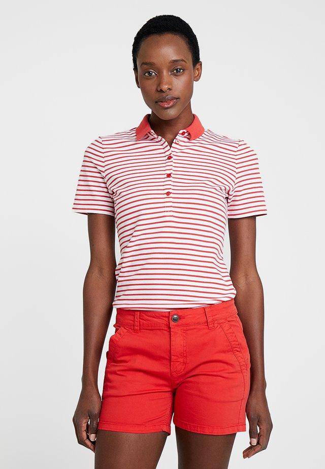 KNOPF - T-shirt z nadrukiem - cayenne