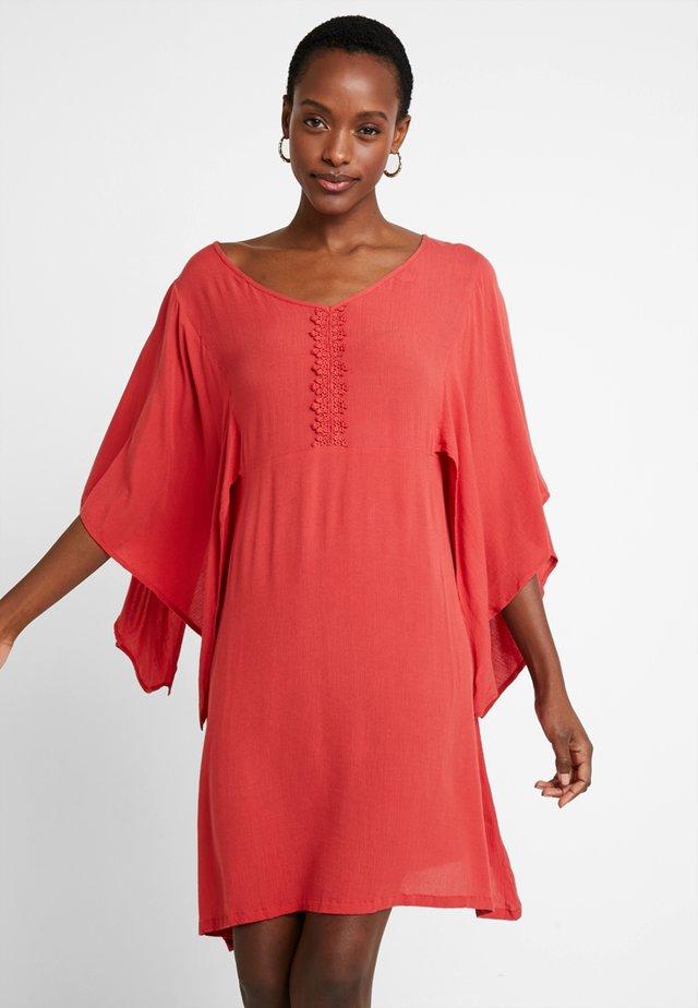 ALLIE DRESS - Vestito estivo - cranberry