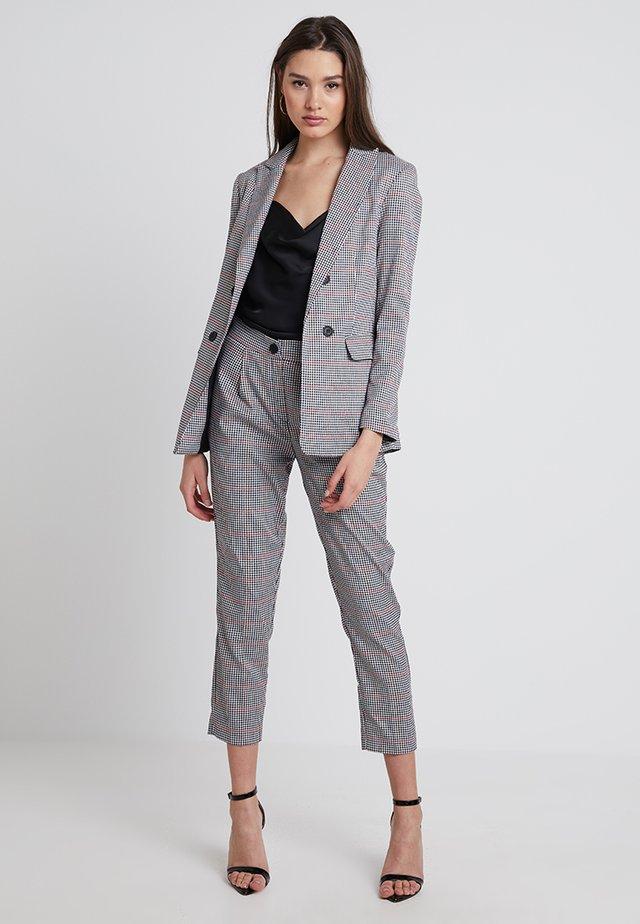 JORDANNE CHECK PULL ON - Spodnie materiałowe - black