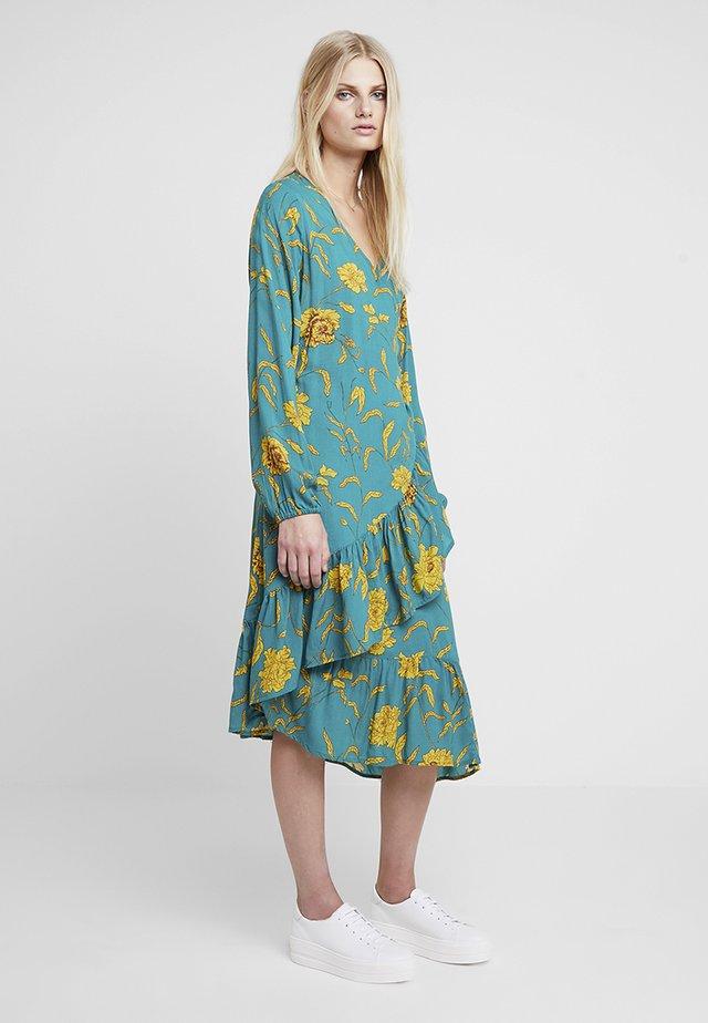 KALUANA WRAP DRESS - Vestito estivo - tidepool