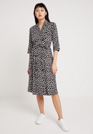 BYGAGINE DRESS - Skjortekjole - black combi