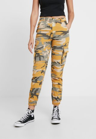CAMO UTILITY TROUSER RADAR - Trousers - yellow