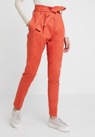 BASIC STRETCH - Trousers - mecca orange