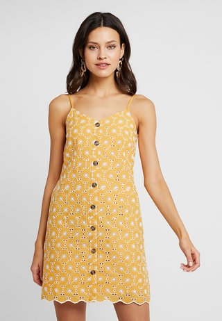 ALL OVER BRODERIE CAMI DRESS - Vestido camisero - light yellow