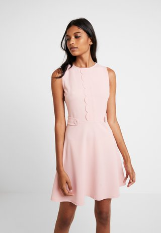 SCALLOPED DETAIL - Jersey dress - blush