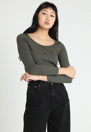 BUTTON THROUGH - Langarmshirt - khaki