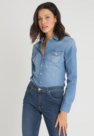 BLOUSE - Skjorta - denim blue