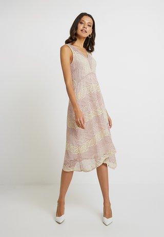 STRIPE HANKY HEM - Robe de soirée - blush