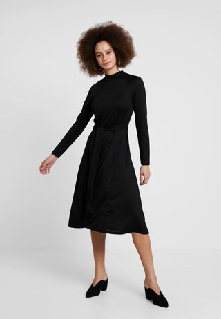 CUT AND SEW DRESS - Strickkleid - black