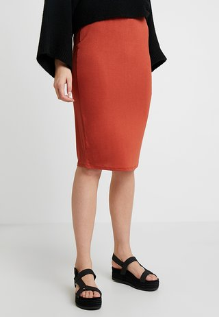 PENCIL SKIRT - Pencil skirt - rust