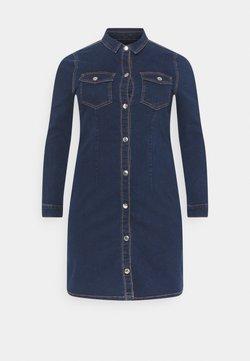 Pieces Curve - PCSILIA DRESS - Freizeitkleid - dark blue denim