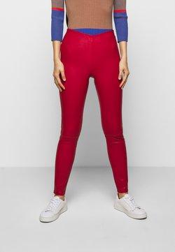 STUDIO ID - LENA  - Pantalon en cuir - red