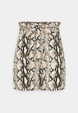 Vero Moda - Shorts - birch/mynthe