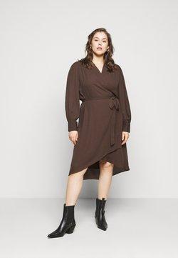 Selected Femme Curve - SLFLAVA WRAP DRESS  - Freizeitkleid - coffee bean