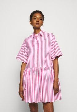 Victoria Victoria Beckham - A-LINE BROAD STRIPE SHIRT DRESS - Blusenkleid - pink/white