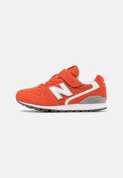 New Balance - YV996COR - Sneakers laag - orange