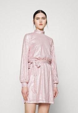 Nly by Nelly - HIGH NECK SEQUIN DRESS - Vestido de cóctel - light pink