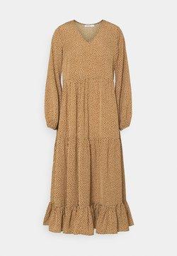 Glamorous Petite - TIERED DRESS - Maxikleid - rust cream
