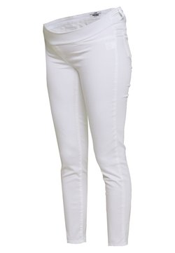 LOVE2WAIT - KEIRA CROPPED - Slim fit jeans - white