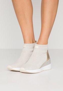 MICHAEL Michael Kors - SKYLER - Boots à talons - ecru/gold