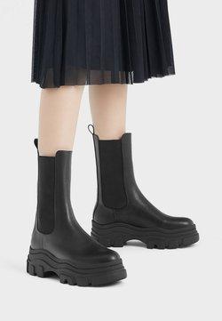 Bershka - STIEFELETTEN MIT ELASTISCHEM SCHAFT UND PROFILPLATEAU 11220560 - Stiefelette - black