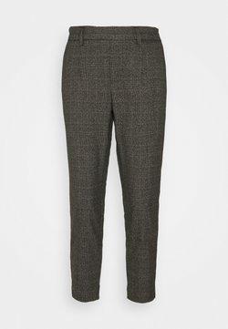 Object Petite - OBJLISA SLIM PANT - Pantalones - chipmunk/white