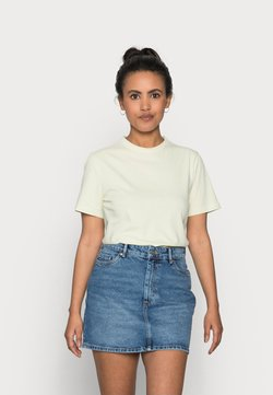YAS Petite - YASSARITA O-NECK TEE - Camiseta básica - tender greens