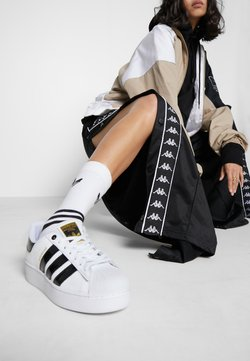 adidas Originals - SUPERSTAR BOLD - Sneakers - footwear white/clear black/gold metallic