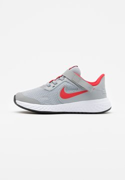 Nike Performance - REVOLUTION 5 FLYEASE - Hardloopschoenen neutraal - light smoke grey/university red/photon dust