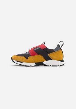 Marni - Sneaker low - metallo/curry