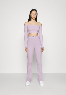 Nly by Nelly - OFF SHOULDER SET - Stoffhose - light purple
