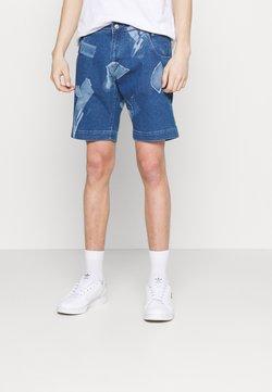 Criminal Damage - SHARD DENIM  - Denim shorts - blue