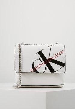Calvin Klein Jeans - SQUARE FLAP XBODY - Sac bandoulière - white