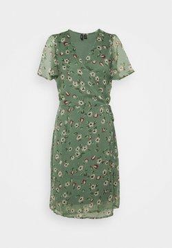 Vero Moda Tall - VMKAY WRAP DRESS - Vapaa-ajan mekko - laurel wreath