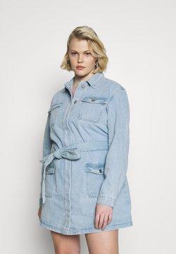 Missguided Plus - PLUS SIZE BELTED DENIM DRESS - Robe en jean - blue